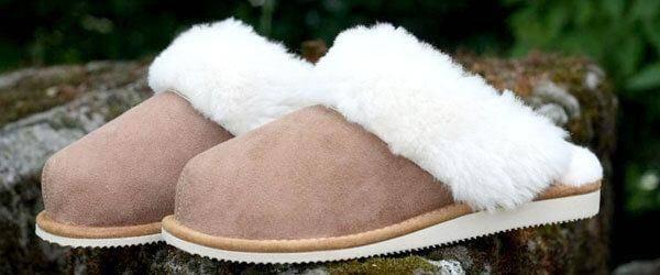 Schuhe aus Lammfell