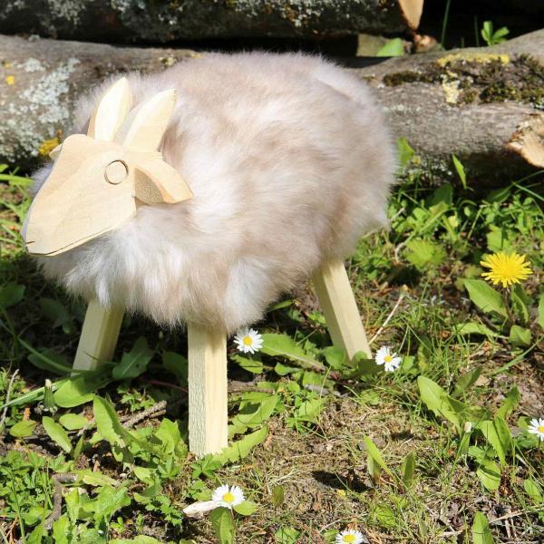 Drewniana owca Paul ze skóry jagnięcej Schwarzkopf model 44