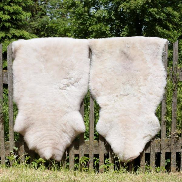 Lammfell Creme Beige gescheckt 100-110 cm