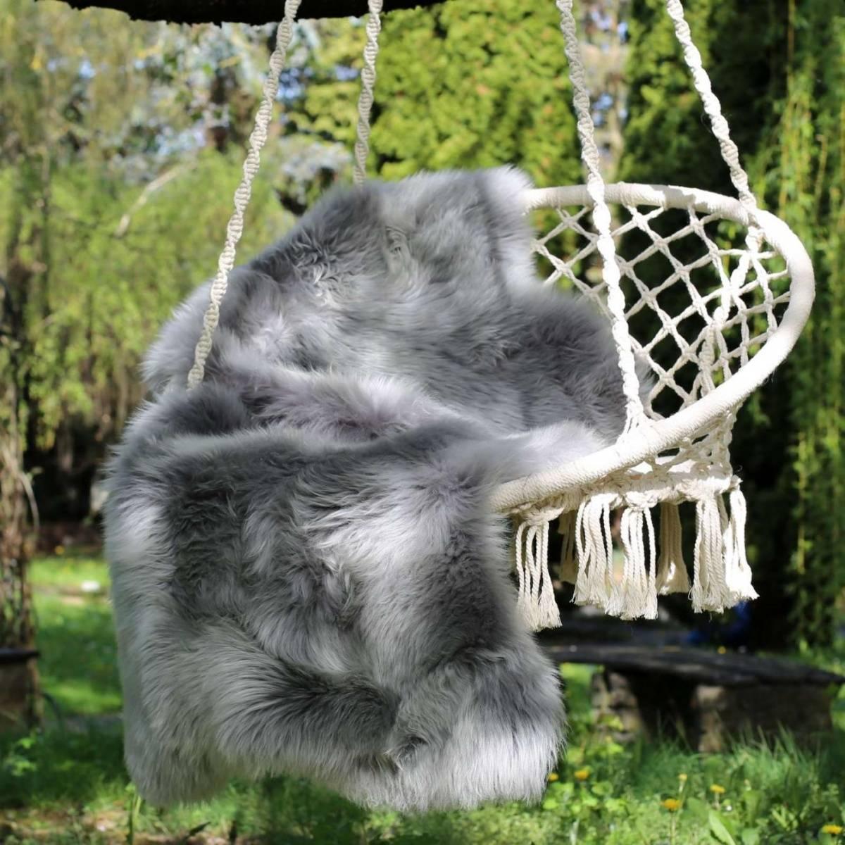 lammfell schwarz und grau t ne merino fell schaffell l ufer deko sitzunterlage ebay. Black Bedroom Furniture Sets. Home Design Ideas